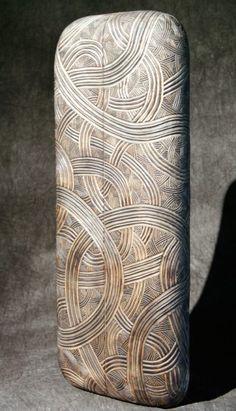 carving designs on pottery Sculpture Head, Stone Sculpture, Abstract Sculpture, Thierry Martenon, Afrique Art, Small Sculptures, Metal Sculptures, Carving Designs, Pottery Designs