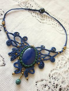 Etsy の macrame vintage Gypsy Necklace blue agate by inespu