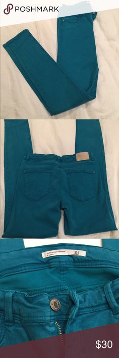 Zara jean leggings Zara Trafaluc Denim Makers jean leggings, super comfortable. Size 06 but they run big. They're not as blue as they are in the photos, more green/turquoise. Never worn! Zara Jeans Skinny