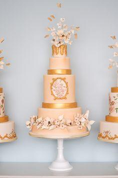 28 glamorous wedding cakes