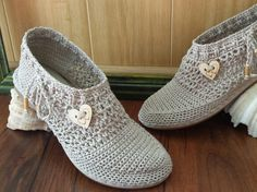 Espadrilles Crocheted Directly on the Rubber Sole - Step by Step Tutorial with pictures