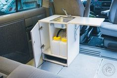 Ghostbastlers – VW Bus Küchenblock