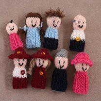 8 Finger Friends finger puppets - Families