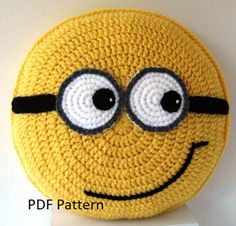 Yellow friends with goggles Pillow - Cushion CROCHET PATTERN - crochet patterns for animal pillows Birthday present Baby shower gift Gelbe Freunde mit Schutzbrille Kissen Kissen HOSENMUSTER Minion Crochet Patterns, Pokemon Crochet Pattern, Crochet Pillow Pattern, Amigurumi Patterns, Giraffe Crochet, Crochet Teddy, Crochet Toys, Crochet Baby, Crochet Cushion Cover