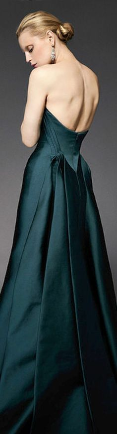 Zac Posen Resort 2015 deep blue green lovely dress. Please like http://www.facebook.com/RagDollMagazine and follow @RagDollMagBlog @priscillacita