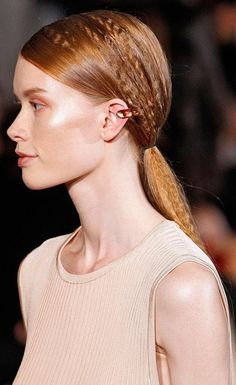 90s style fad turned runway mainstay, put a crimp in that ponytail for an on-trend vibe #hairtrend #runway #fashion #hair #beauty #crimpedponytail #schwarzkopfuk #FBF
