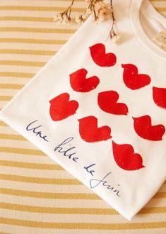 Sézane - June girl T-Shirt - Sézane x Hôtel Magique Union Made, Coton Biologique, Organic Cotton T Shirts, Parisian Style, Tee Design, Fendi, Delicate, Images, Cricut