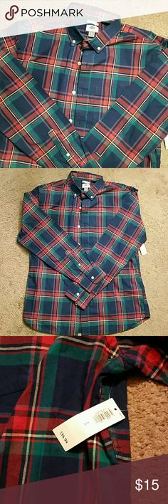 Mens Old Navy Button Up Shirt Slim fit button up shirt. NWT Stylish and warm shirt. A good buy. Old Navy Shirts Casual Button Down Shirts