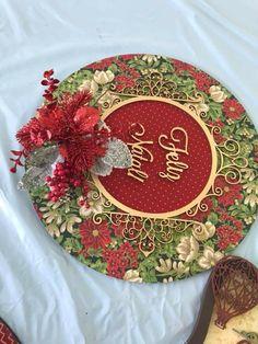 Christmas Crafts, Christmas Decorations, Holiday Decor, Wedding Photo Walls, Photo Wall Decor, Santa Wreath, Sunflower Wreaths, Summer Wreath, Holiday Wreaths