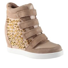 The destination for style-conscious shoppers, ALDO Shoes is all about accessibly-priced on-trend fashion footwear and accessories Studded Sneakers, Wedge Sneakers, Shoes Sneakers, Sneaker Wedges, Fab Shoes, Women's Shoes, Big Fashion, Fashion Shoes, Luxury Fashion