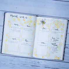 Bee-utiful bullet journal weekly spread featuring a fun bee theme, gorgeous planner doodles, bullet journal ideas for inspiration!