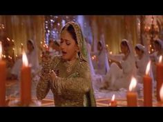 Devdas - Shah Rukh was irrelevant! The movie was made by the chemistry and skill of Madhuri and Aishwariya.