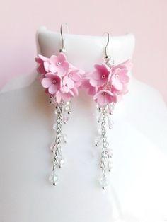 Pink Jewelry, Bridal Jewelry, Gemstone Jewelry, Polymer Clay Crafts, Polymer Clay Earrings, Jewelry Crafts, Handmade Jewelry, Clay Flowers, Pink Flowers