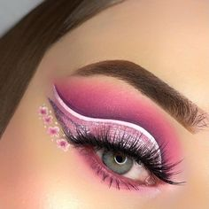 Love such vibrant flower look from 👑@jeglenka using #ArisonLashes in style 𝐍𝐚𝐝𝐢𝐚~ A few little flowers can make your look stand out~ Try this technique for your spring look~ 😄 #repost #makeupofinstagram #motd #fakelashes #falselashes #makeupartist #makeupinspiration #eyemakeup #springmakeuplooks #springmakeuplookidea Fake Lashes, Eyelashes, The Make, How To Make, Little Flowers, Spring Looks, Makeup Inspiration, Makeup Looks, Eye Makeup