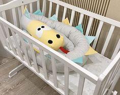 Bebé cuna parachoques cocodrilo almohada hecha a mano bebé