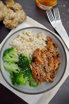 Pollo con miel, salsa de soya, jengibre y ajonjolí en la crockpot