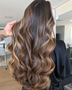 Balayage Hair Color Ideas for Brunette Long Hair; # balayagehair # longhair # brunetteshair # hair color Informations About Balayage Hair Color Ideas For Brunettes … Brown Hair Balayage, Brown Hair With Highlights, Hair Color Balayage, Brown Hair Colors, Color Highlights, Balayage Highlights, Brunette Color, Balayage Hair Brunette Long, Blonde For Brunettes
