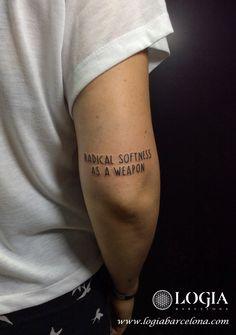 Un Walk-in es un tatuaje en el que el cliente literalmente entra en la tienda, el mismo día, sin cita previa.  A Walk-in is a tattoo where the client literally walks into the shop, same-day, with no appointment. #logiabarcelona #logiatattoo #tatuaje #tattoo #tatuador #tattooink #tattoospain #tattooworld #tattoobarcelona #ink #arttattoo #artisttattoo #inked #instattoo #inktattoo #lettering