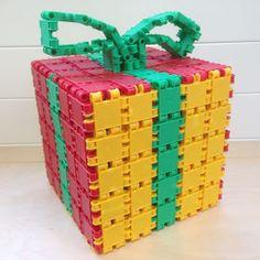 JufYvon: Uitdaging: sinterklaas/kerstpakje namaken Fun Crafts For Kids, Diy For Kids, Diy And Crafts, Kids Christmas, Christmas Crafts, Kids Daycare, Footprint Crafts, Theme Noel, Autumn Crafts