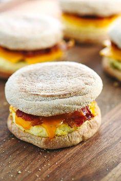 Freezer Friendly Bacon Breakfast Sandwiches @FoodBlogs