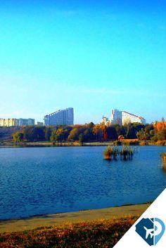 En Chisinau, Moldavia, frondosos bulevares se intercalan con grandes edificios de hormigón. En un inesperado panorama parisino de cafés y bares destaca el vino local, que cosecha prestigio con Moldavia como sede del ExpoVin 2017