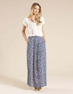 This is a look I love.  Long skirts and simple tops!!!