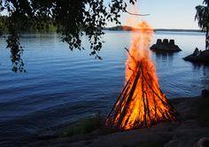 Midsummer night bonfire - Tampere, Finland Bobs, British, Night, Places, Travel, Finland, Viajes, Squares, Trips