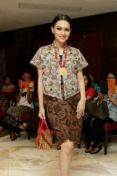 Denny Wirawan  Pasar Malam  The Actual Style  BatikKebaya