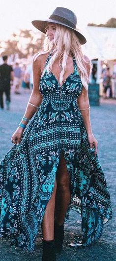 Festival Fashion, makeup, outfit ideas and style tips. Get the boho-chic/hippie look. Festival Trends, Festival Style, Festival Looks, Festival Fashion, Gypsy Style, Hippie Style, Bohemian Style, Boho Gypsy, Hippie Chic