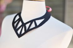 {easy} leather statement necklace DIY