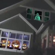 Halloween Garage Door, Halloween Items, Halloween Boo, Holidays Halloween, Halloween Crafts, Haunted Halloween, Halloween Entryway, Halloween Inspo, Diy Halloween Decorations