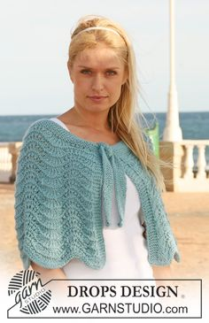 "DROPS Extra 0-536 - Knitted DROPS shoulder wrap with wavy pattern in ""Silke-Alpaca"". Size S - XXXL. - Free pattern by DROPS Design"
