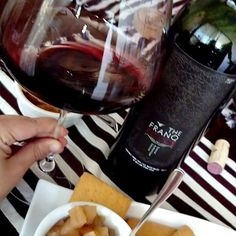 The Franq rouge... El Cabernet Franc de @williamfevre ... Perfecto para la Sobremesa... Y en mis copas nuevas 😍. #winelover #winetasting #vino #calice #cabernetfranc
