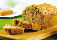This zucchini carrot bread recipe is a sweet and delicious way to enjoy fresh gourd from the garden. Almost like a cake, it has a warm spicy flavor. Carrot Bread Recipe, Zucchini Bread Recipes, Vegan Zucchini, Quick Bread Recipes, Banana Bread Recipes, Vegan Recipes, Vegan Food, Vegan Bread, Vegan Baking