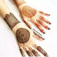 Check out this post on mehandi created by Shabnam shaba ( and top similar posts on mehandi, trendy products and pictures by celebrities and other users on Roposo. Round Mehndi Design, Indian Mehndi Designs, Mehndi Designs 2018, Modern Mehndi Designs, Mehndi Design Photos, Beautiful Mehndi Design, Henna Tattoo Designs Arm, Henna Art Designs, Bridal Henna Designs