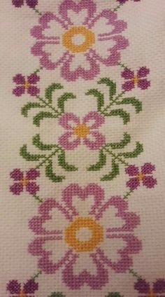This post was discovered by Şe Hand Embroidery Design Patterns, Crochet Jewelry Patterns, Tapestry Crochet Patterns, Flower Embroidery Designs, Silk Ribbon Embroidery, Crewel Embroidery, Baby Knitting Patterns, Cross Stitch Embroidery, Cross Stitch Borders