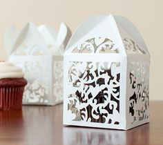 I love the intricate cuts on this darling domed cupcake box!