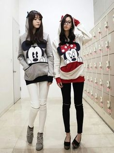 a8450ba9050 59 Best Mickey Mouse Jumpers images