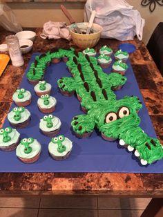 Alligator cake and cupcakes