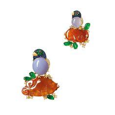 ORANGE JADEITE, LAVENDER JADEITE, JADEITE, GEM-SET AND DIAMOND 'LUCKY BIRD' BROOCH; AND MATCHING RING