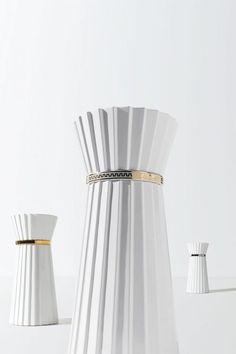 Bathroom Collections, Design Awards, Bathroom Inspiration, Basin, Interior Architecture, White Ceramics, Classic Style, Luxury, Home Decor