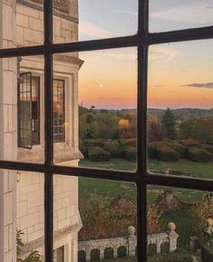 Travel Aesthetic, Aesthetic Photo, Aesthetic Pictures, Window View, Palaces, Countryside, Summer Vibes, Beautiful Places, Beautiful Sunset