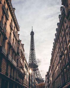 Hotels-live.com/pages/sejours-pas-chers - TOP Paris  by @ryadoug  #topparisphoto Allez sur la galerie à la une pour partager les likes !! Look at the featured gallery to share the LVE #communityfirst Hotels-live.com via https://www.instagram.com/p/BF2MzKJsAJj/