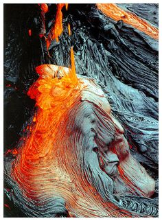 Hawaii  Big Island lava flowing