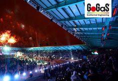 GoGaS Hellstrahler: Stadionstrahler von GoGaS ermöglichen eine multifunktionale Nutzung der Stadions und erhöhen die Verweildauer der Zuschauer. Weitere Informationen erhalten Sie unter www.stadionstrahler.de oder unter www.gasstrahler.de.