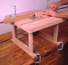 DIY Portable Bench Top Router Table #WoodworkingBench