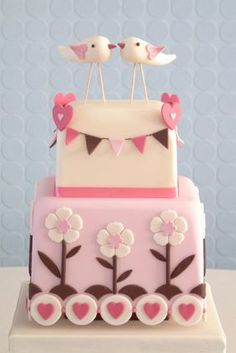 www.facebook.com/cakecoachonline - sharing...Cute Love Birds wedding cake