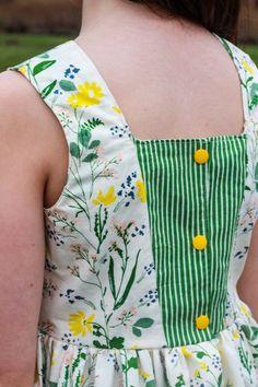 Frocks For Girls, Little Girl Dresses, Baby Girl Frocks, Girls Dresses, Kids Dress Patterns, Sewing Patterns Girls, Sewing For Kids, Baby Frocks Designs, Kids Frocks Design