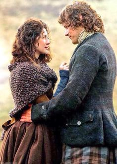 Wonderful pic of Jamie & Claire.