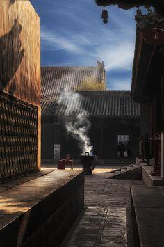 Lama Temple Beijing by Gary Warnimont